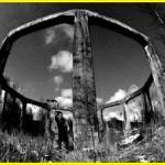 Rester etter bygningen hvor de eksperimenterte med Bell-prosjektet.