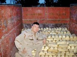 Amerikansk soldat med gull fra Irak-krigen.