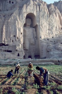 Her et monument fra Afghanistan som ble delvis ødelagt under krigen.