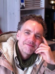 Forfatteren, ìdehistoriker Terje G. Simonsen.